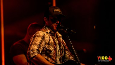 Easton Corbin in concert at Floore's Country Store in Helotes, TX on March 16, 2019. (photos Johnnie Walker)