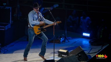 Jon Pardi live at the San Antonio Rodeo - February 9, 2020 (photos Johnnie Walker)