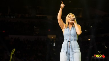 Lauren Alaina live at the Rodeo 2020